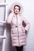 Woman in winter coat — Stock Photo