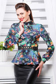 Woman in elegant trendy clothes — Stock Photo