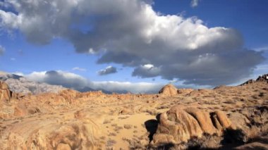 Alabama Hills Owens Valley Sierra Nevada Sky Clouds Weather — Stock Video