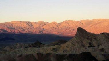 Sunrise Badlands Amargosa Mountain Range Death Valley Zabriske Point — Stock Video