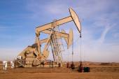 North Dakota Oil Pump Jack Fracking Crude Extraction Machine — Stock Photo