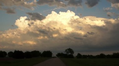 Dramatic Cloudscape Forming Late Afternoon Sky Cumulonimbus Clouds Moving Fast — Stock Video