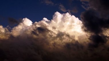 Dramatic Cloudscape Forms Late Afternoon Sky Cumulonimbus Clouds — Stock Video