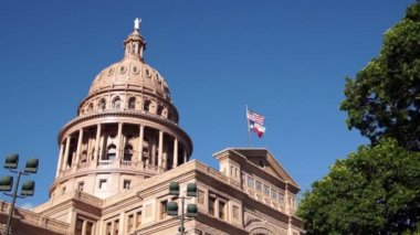 Capital Building Austin Texas Government Building Blue Skies — Stock Video