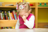 Little child girl playing in kindergarten — Foto Stock