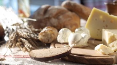 Hard and soft cheese set — Stock Video