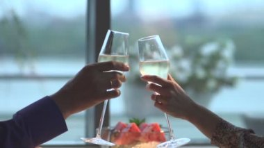Woman and man clink glasses of wine — Stock Video