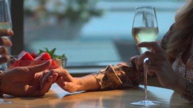 Loving couple in the restaurant — Stock Video