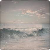 Vintage Background of dreamy wave at the beach — Stock Photo