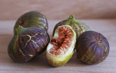 Ripe and delicious figs — Stock Photo