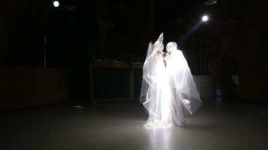 Schauspielerin mädchen tanzen — Stockvideo