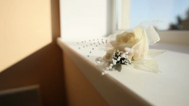 White rose boutonniere — Stock Video