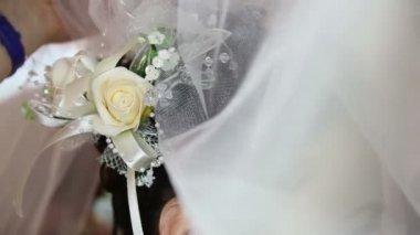 Bride flower decoration — Stock Video