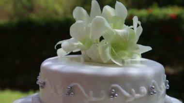 Krásný svatební dort — Stock video