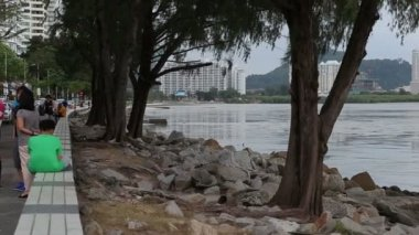 Sea embankment  in Georgetown, Malaysia — Stock Video