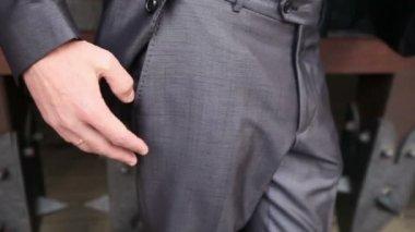 Groom in grey wedding suit — Stock Video
