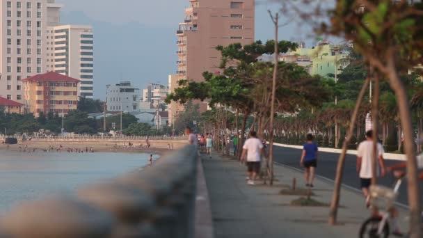 Panorama de la ciudad y el mar en Vietnam — Vídeo de stock