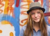 Beautiful stylish young girl outdoors — Stock Photo