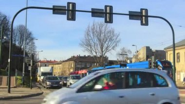 Traffic at crossroads — Stok video