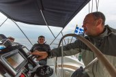 Sailors participate in sailing regatta — Stock Photo