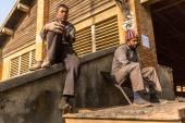 Lidé pracují v cihelně v Nepálu — Stock fotografie