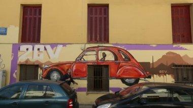 Contemporary graffiti art on Athens walls — Stok video