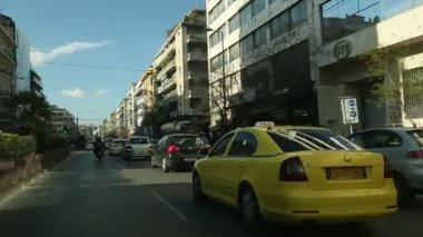 Driving on street in the Athens center — Stock Video