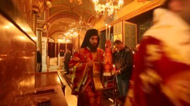 Orthodox Easter - Midnight Office of Pascha (Athens, Greece) — Stock Video