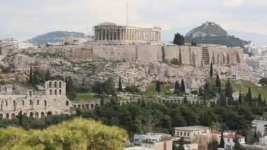 Parthenon temple on the Acropolis hill of Athens, Greece. (HD) — Stock Video