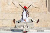 Greek Evzones dressed in full dress — Stock Photo