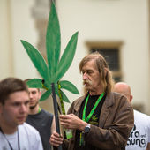 Unidentified participants of the March For Cannabis Liberation. — Stock Photo
