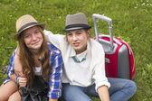 Девушки подружки путешественники — Стоковое фото