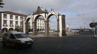 City gates in Ponta Delgada — Stock Video