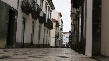 Rue dans le centre de Ponta Delgada — Vidéo