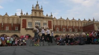 Participants at International Festival of Street Theatres — Stock Video