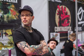 Unidentified participants at International Tattoo Convention — Стоковое фото