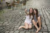 Two teenage girls doing selfie — Stock Photo