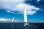 Denizciler yelkenli katılmak — Stok fotoğraf