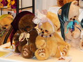 Crafts. Collectible author's bears. The 10th International Dolls Salon, Moscow. October, 2014. — Stock Photo