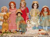 "Antique dolls. Crafts. The 5th Moscow International Exhibition of Collectible Dolls ""Art of Dolls"". December, 2014. — Stockfoto"