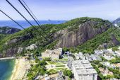 Aerial view of Rio de Janeiro and the cables from the Loafsugar Mountain — 图库照片