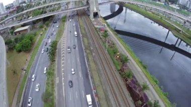 Tráfico en Sao Paulo, Brasil — Vídeo de Stock