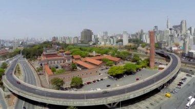 Luftbild von Sao Paulo Stadt an einem schönen Tag — Stockvideo