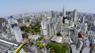 Aerial view of Sao Paulo city in a beautiful day — Vídeo de stock