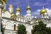 Breathtaking Famous The Annunciation Cathedral and The Archangel Cathedral in Moscow Kremlin, Russia — Stock Photo