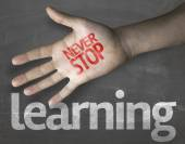 "Message ""Never Stop Learning"" — Stock Photo"