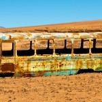 Abandoned bus in the desert — Stock Photo #63649787