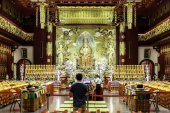 Buddha Tooth Relic Temple & Museum — Stock Photo