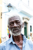 "BAHIA, BRAZIL - CIRCA NOV 2014: The famous man called ""Pele"" sells gifts to tourists at Pelourinho in Salvador, Bahia. — Stock Photo"