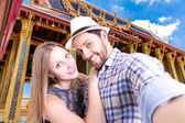 Beautiful Couple taking a selfie photo in Asia — Zdjęcie stockowe